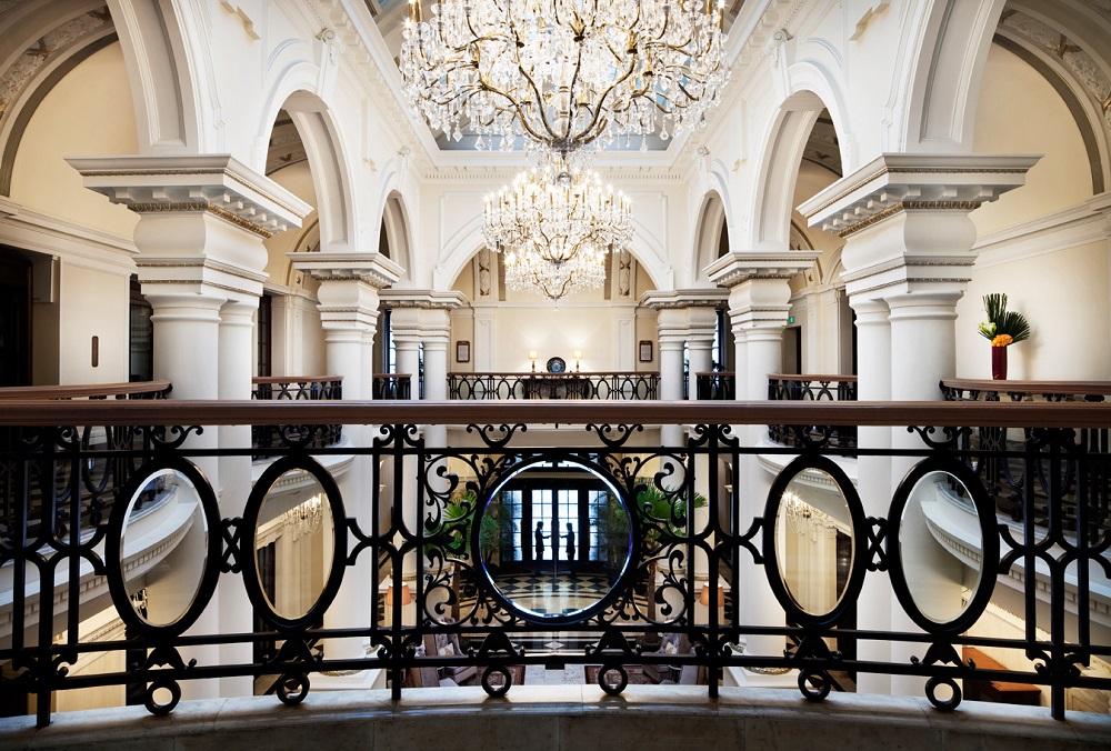 Waldorf Astoria Club 1000 x 676